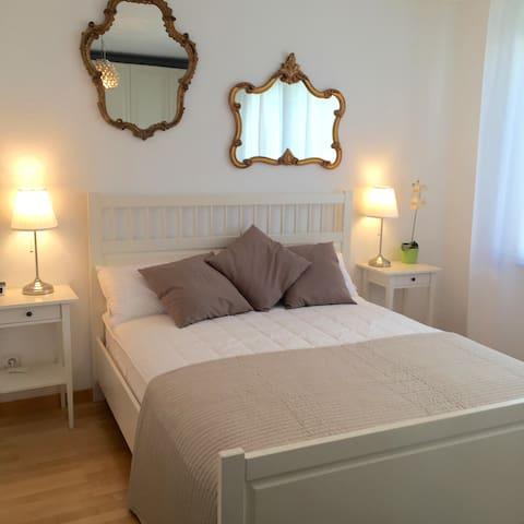 Schöne ,ruhige Ferienwohnung in Freising - Freising - Apartment