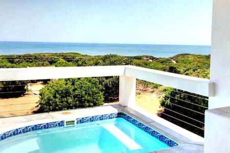 Spectacular oceanview modern self-catering Cabana1