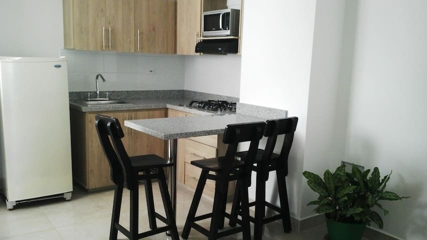 Lindo y cómodo Apartamento en centro de Quimbaya - Quimbaya - Flat