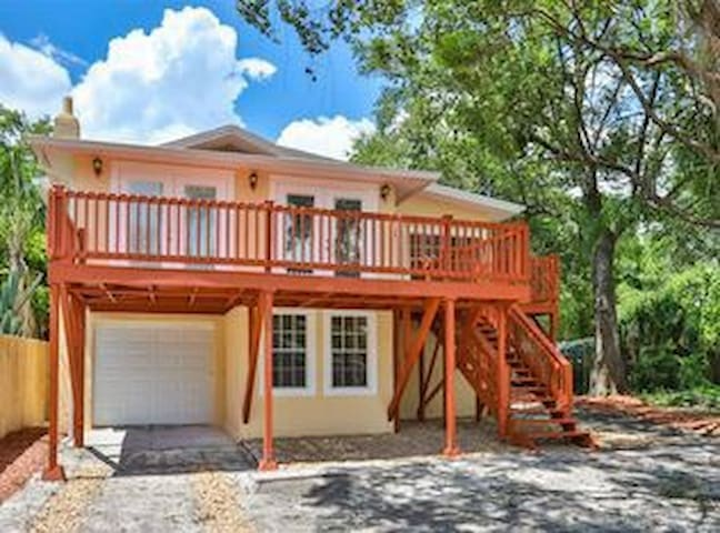 Lovely 3/2 home in Seminole Heights Tampa