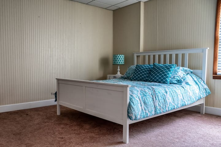 """Queen bed down stairs 19"""" from floor"""