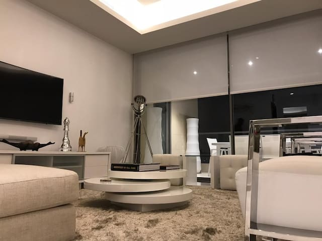 Gorgeous 2 bedroom apartment  Eko Atlantic City.