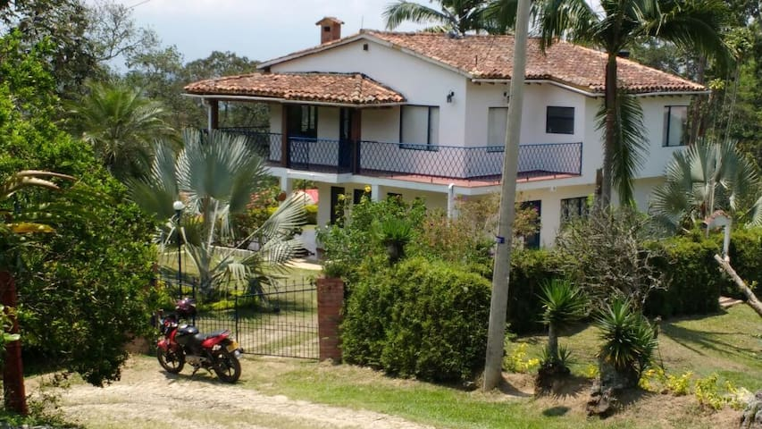 country house close to Bogota - Cachipay - Huvila