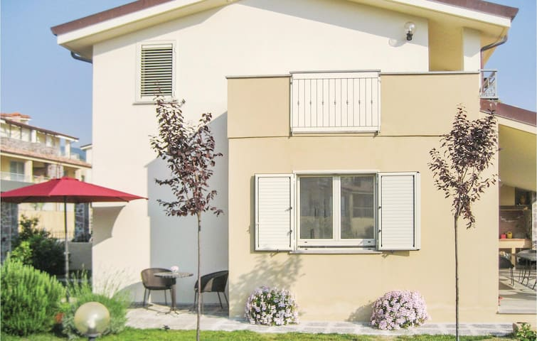 Terraced house with 3 bedrooms on 110 m² in Badolato Marina -CZ-
