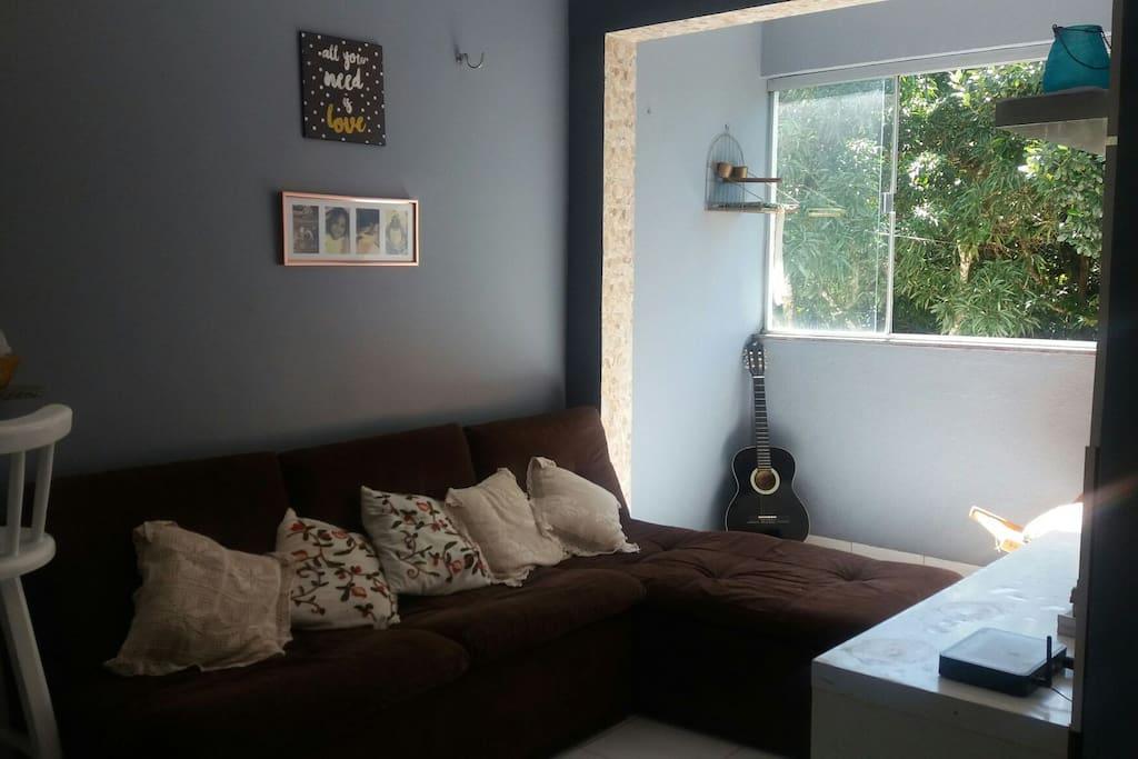 Sala de estar e sacada
