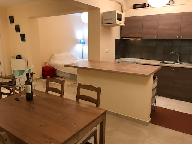 Independent basement in villa near Athens airport