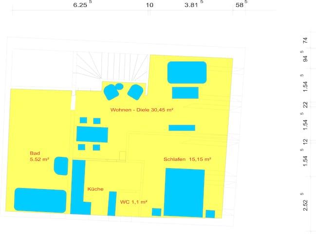 Plan FeWo3, Boden im Schlafzimmer steigt stark an, Bad hat keine Türe.
