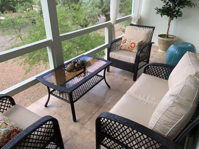 The Mansion-A Luxurious 5 bdrm Retreat