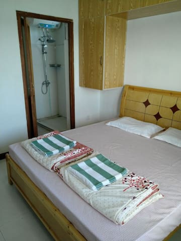 Home stay--- 4 bedroom apartment-Second Lagoon