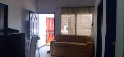 Casa ideal para venir a trabajar a la ciudad y tener lugar amplio para descansar.  todos los servicios básicos Wf. a/c. tv