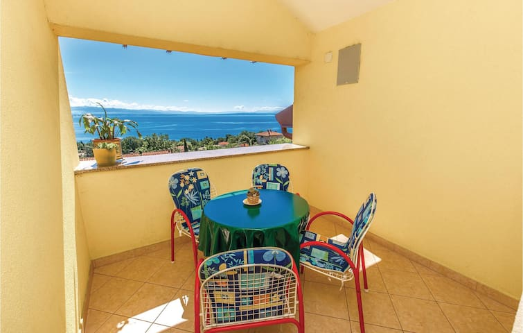 Holiday apartment with 1 bedroom on 37m² in Opatija