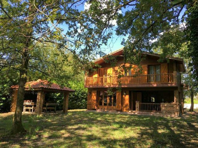 Belle maison en bois proche de Lacanau 8pers