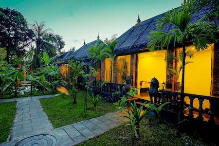 Deluxe Double Pool View-Free round trip pick up - Krong Siem Reap