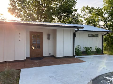 NEW! Private Smith Lake Home w/Separate Apartment