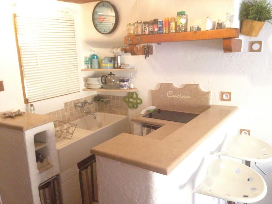 Kitchen part, coin cuisine tout équipé