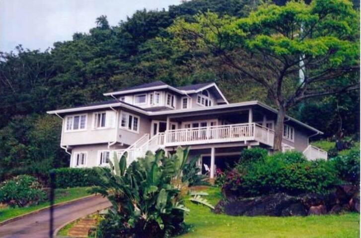 Family Villa on the Hill