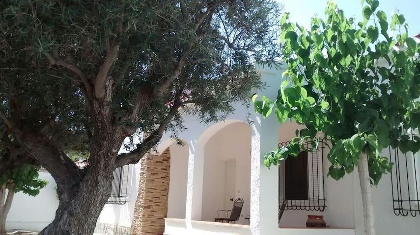 Casa a 70m del mar. La Zenia. Alicante. Valencia.