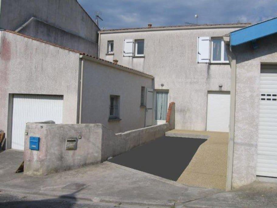 la façade et le garage