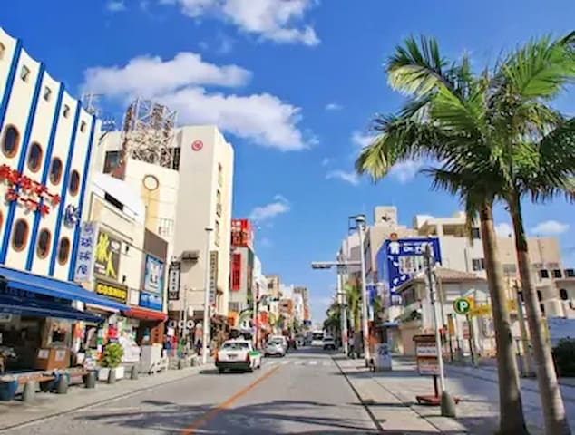 5F♪大人気♪国際通り徒歩1分♪車がない方でも安心♪ゆいレール徒歩5分(*^_^*)