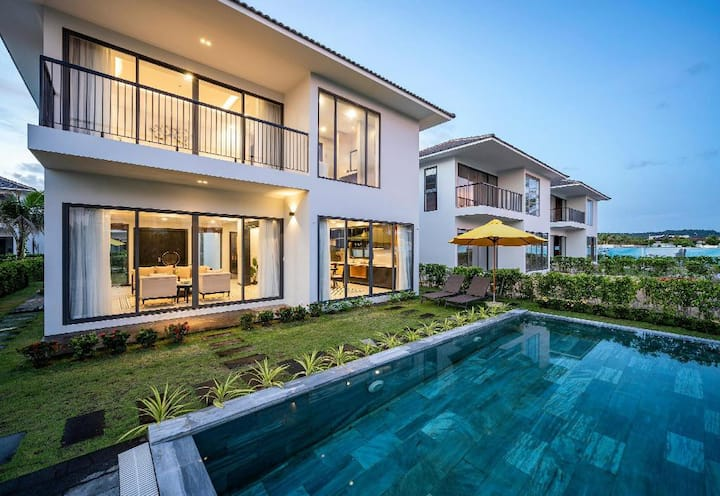 Ando Villas Sea View