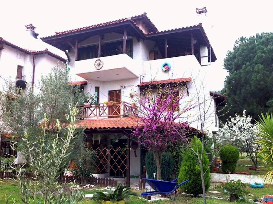Front view of summer house in Vourvourou