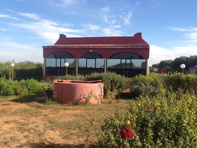 Maison d'hôtes à la campagne - Ben Slimane - ที่พักพร้อมอาหารเช้า