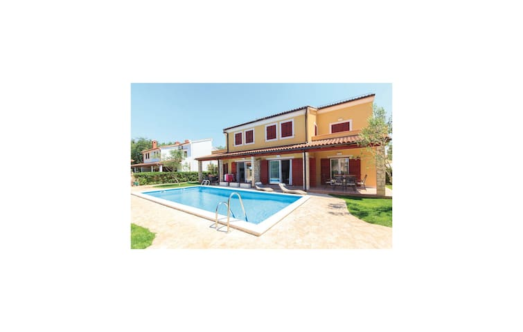 Holiday apartment with 1 bedroom on 40m² in Banjole