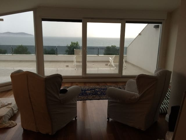 One Bedroom Apartment, Huge Terrace, Amazing View - Kadıköy - Apartmen