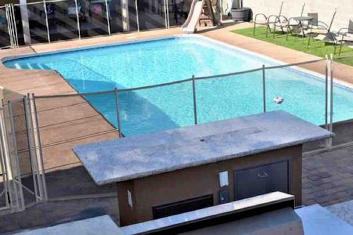 Private Guest House & Pool & Barbecue GT Location