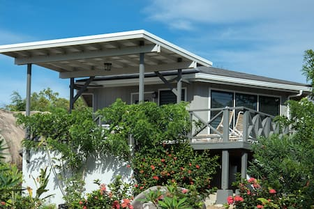 Guavaberry Spring Bay 1BR house w/ac, Ocean View