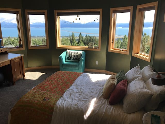 Mermaid Den /  Best view in Homer!!