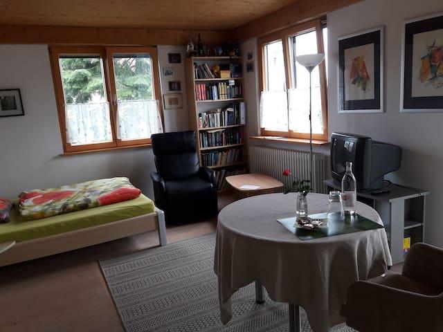 Helles Zimmer, Nähe Flughafen und Erlangen