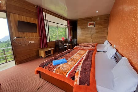 Deluxe Room With Breakfast @ Life Resorts