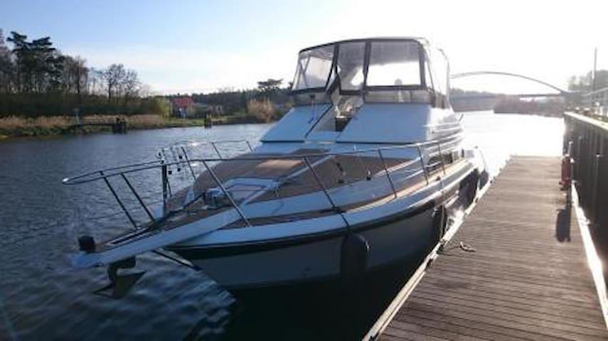 Direkt am Strand, schlafen auf einer Yacht! - Rostock - Barco