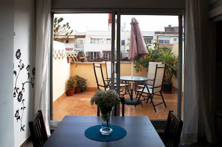 Attic views sagrada familia apartamentos en alquiler en barcelona catalu a espa a - Pisos en alquiler en barcelona particular sagrada familia ...
