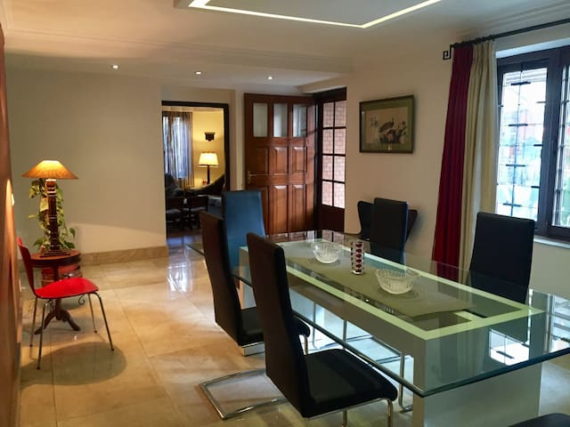 Affordable Luxury, 3 BHK Entire Home