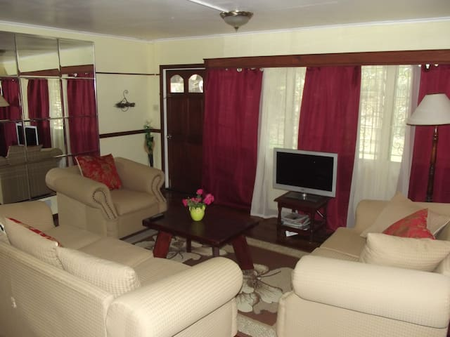 Quiet, Relaxing, Easily Accessible - Castries City - Apartment