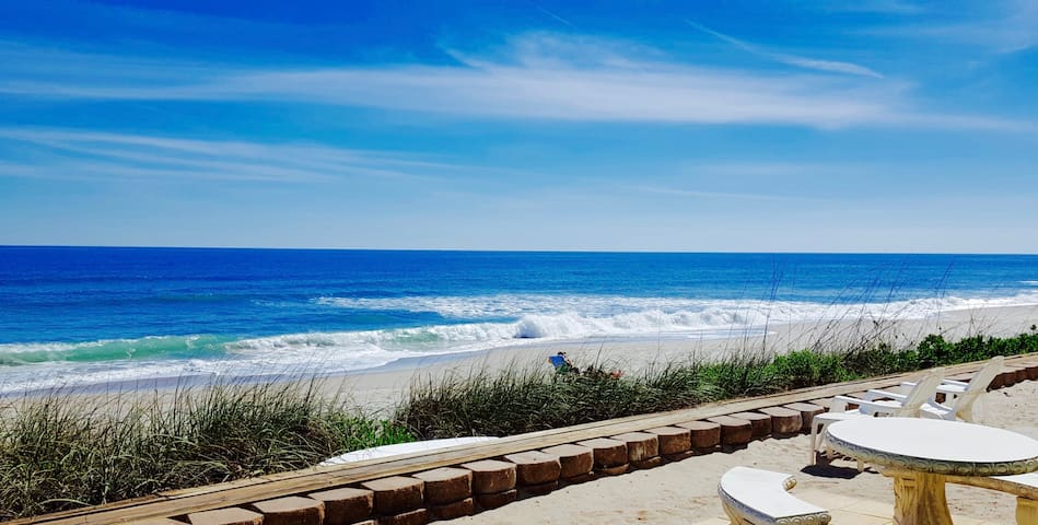 Satellite Beach Condo steps from waves on beach