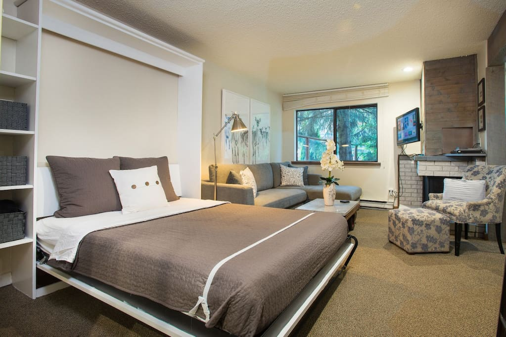 The pull out couch has a tempurpedic pull out mattress and the Murphy queen bed is very comfortable. NETFLIX can be turned on and enjoyed after a long day in bed!