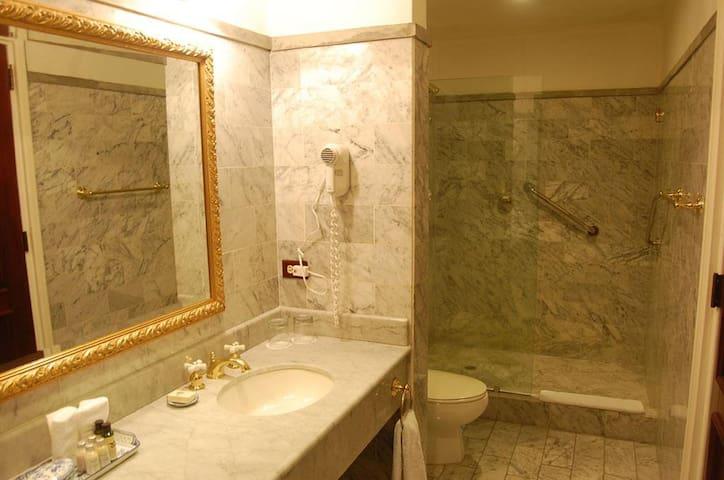Hotel DeVille Habitacion Junior Suite