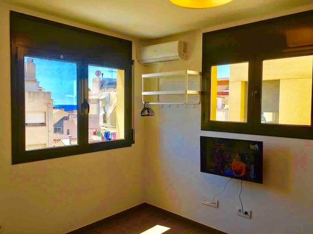 NEW apartment of 20m2 and private kitchen & A/C213
