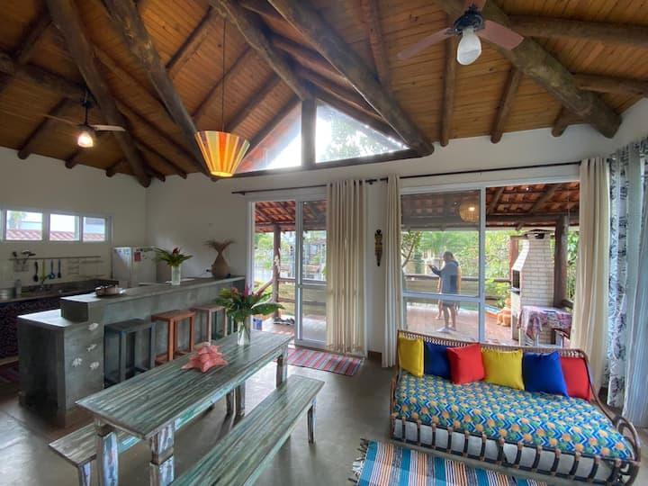 Casa da Árvore - Relaxe a 350m de Camburí / wifi