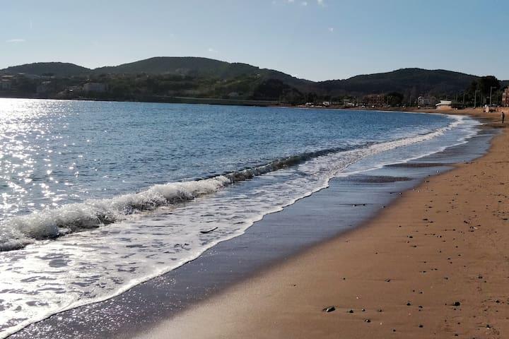 La grande plage d'Agay.