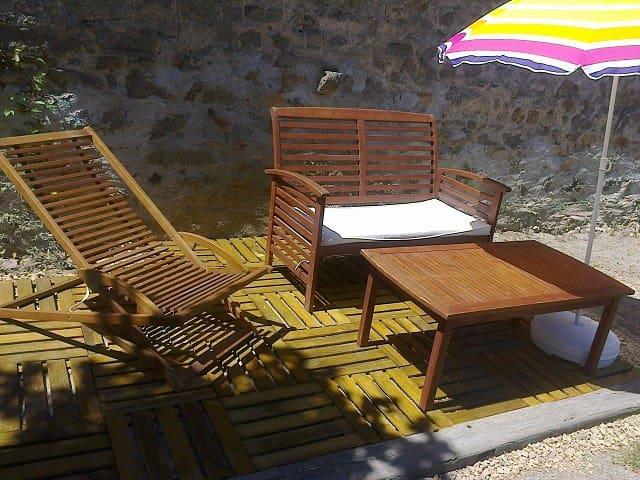 Grande chambre tout confort, au calme - Maisonnais-sur-Tardoire - Bed & Breakfast