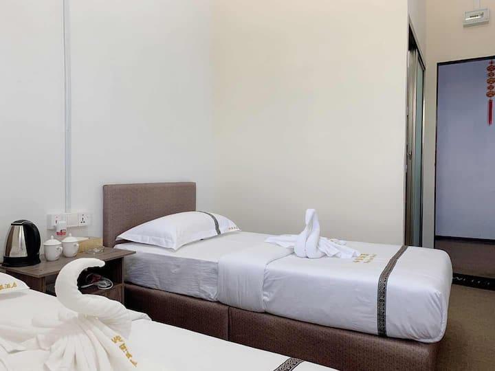 仙蓝酒店Xianlan 标准双人房独立卫浴包含早餐 位于仙本那镇上中国福建房东可安排接机 1日跳岛游