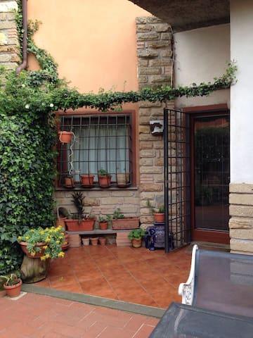 Adorabile villetta nel verde - Colle Diana - Casa