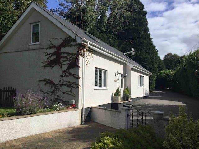 Y Bwthyn  Bangor/MenaiBridge