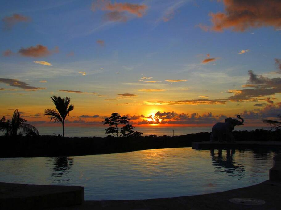 Catch the sunset in the infinity pool!