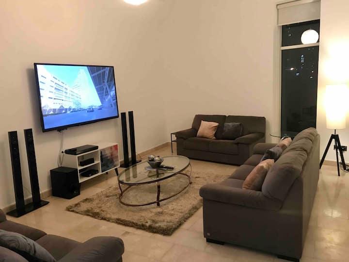 Distinctive 4-BR Villa in Dubai Marina Walk
