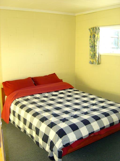 Bright room, comfy bed